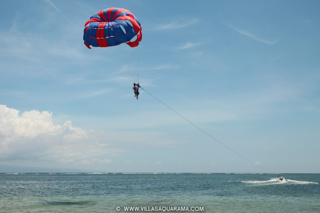 boat-sanur-beach-parascending-rent-villas-aquarama-bali-04