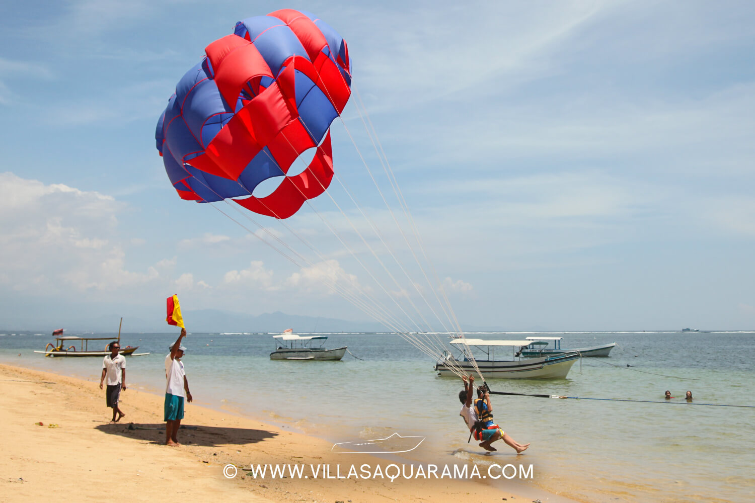 activity-bali-family-parascending-watersport-villas-aquarama-rent